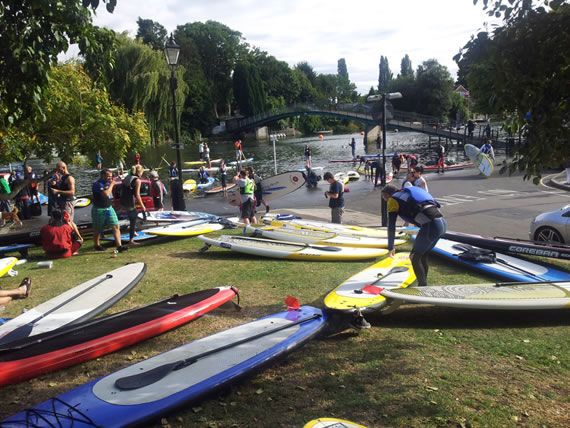SUP Mass Paddle - Twickenham Riverside